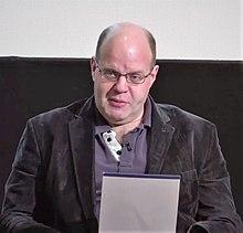 Lawson parla di The Story of Crime Fiction alla British Library nel 2013
