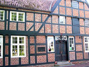 Brunsbüttel - Matthias-Boie-Haus / Ähren- und Flechtverbund