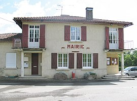 The town hall in Maulichères