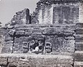Maya ruins in Belize 1976 - Altun Ha 08.jpg