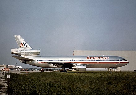N110AA, the aircraft involved in the accident, photographed in 1974 at Chicago O'Hare Int'l Airport McDonnell Douglas DC-10-10, American Airlines JP5931060.jpg