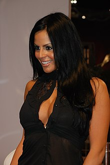 Mikayla Mendez at AVN Adult Entertainment Expo 2009.jpg