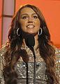 Miley cyrus fashion rocks 2008 smiling cropped.jpg