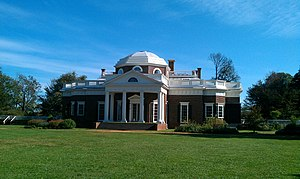 English: View of Monticello from the West Lawn.