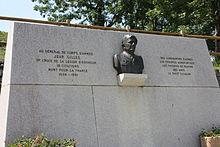 Monument général Jean Gilles.JPG