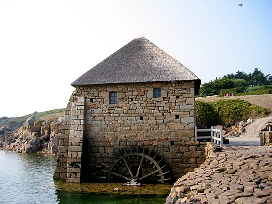 Tidal mill at l'ile de Brehat Moulin maree brehat.jpg