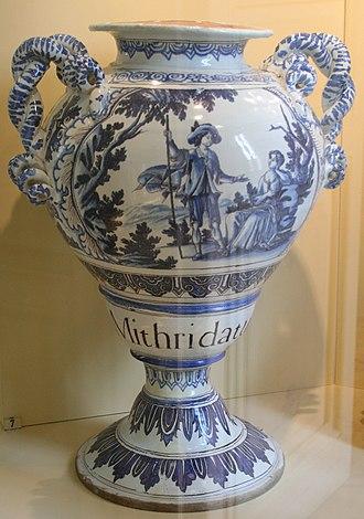 Musée de la Faïence de Marseille - Image: Musée de la faïence, Vase de Pharmacie par Clérrisy