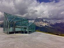 Finestre panoramiche del MMM Dolomites sulle cime circostanti
