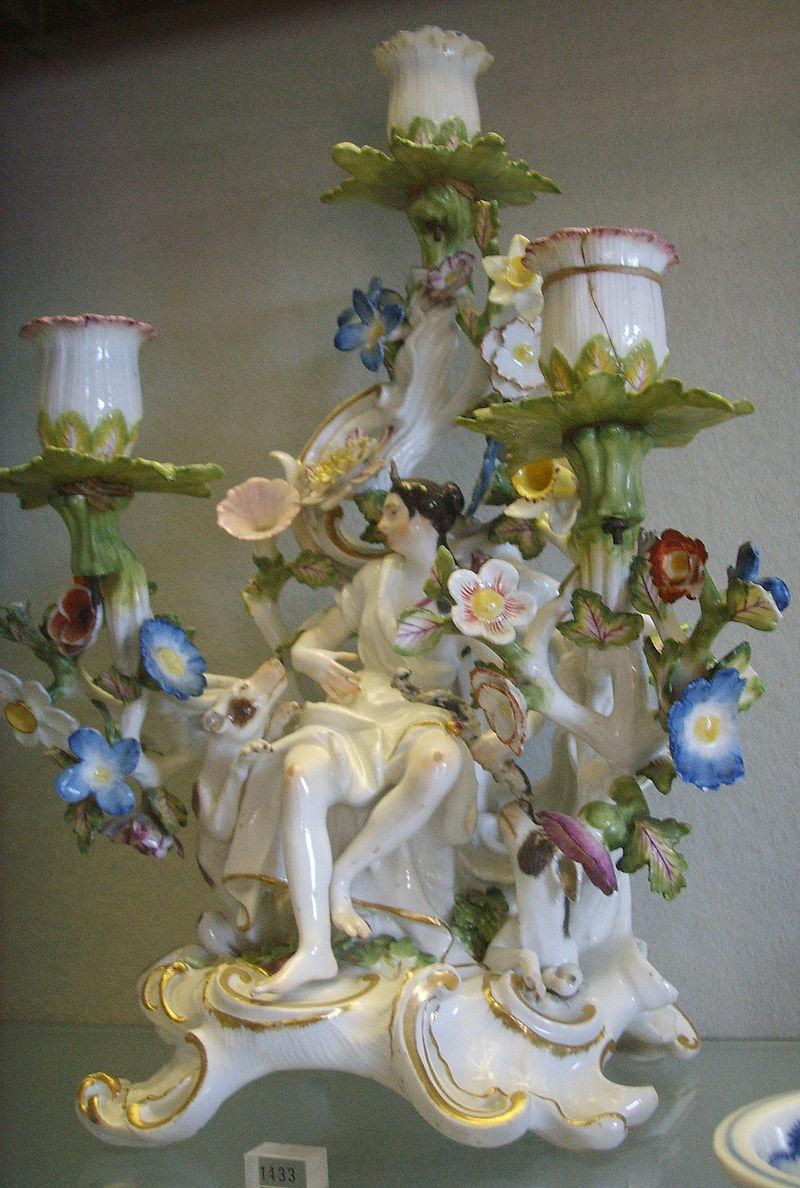 Museo delle porcellane, statuina di meissen 05.JPG