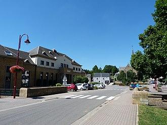 Musson - Image: Musson Mairie et église (août 2013)