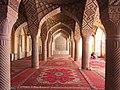 Nasir al-Mulk Mosque collumns (49687503437).jpg