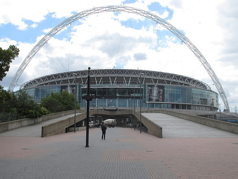 File:New Wembley Stadium and Arch from Olympic Way - geograph.org.uk - 2406320.jpg