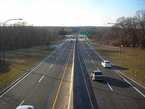 Northern State Parkway - The Northern State as seen from the bridge from exit 45 in Commack