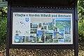 Nové Město pod Smrkem, informační tabule u železniční stanice.jpg