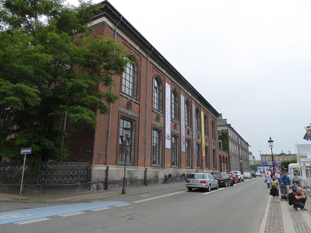 Nyhavn southern side 02.jpg
