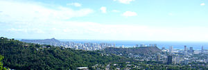 Punchbowl Crater - Diamond Head, Punchbowl Crater and Honolulu from Na Pueo park