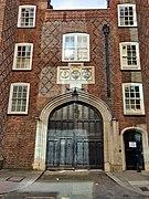 Old Gate to Lincoln's Inn, Chancery Lane.jpg