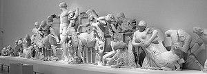 Patung dari pedimen kuil zeus di olympia, kini berada di museum