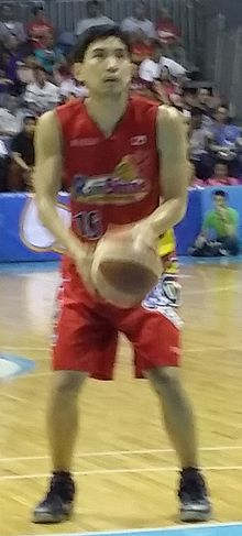 PBA - Rain or Shine vs San Miguel - Jeff Chan-ROS - 2016-0107 (24219137776).jpg