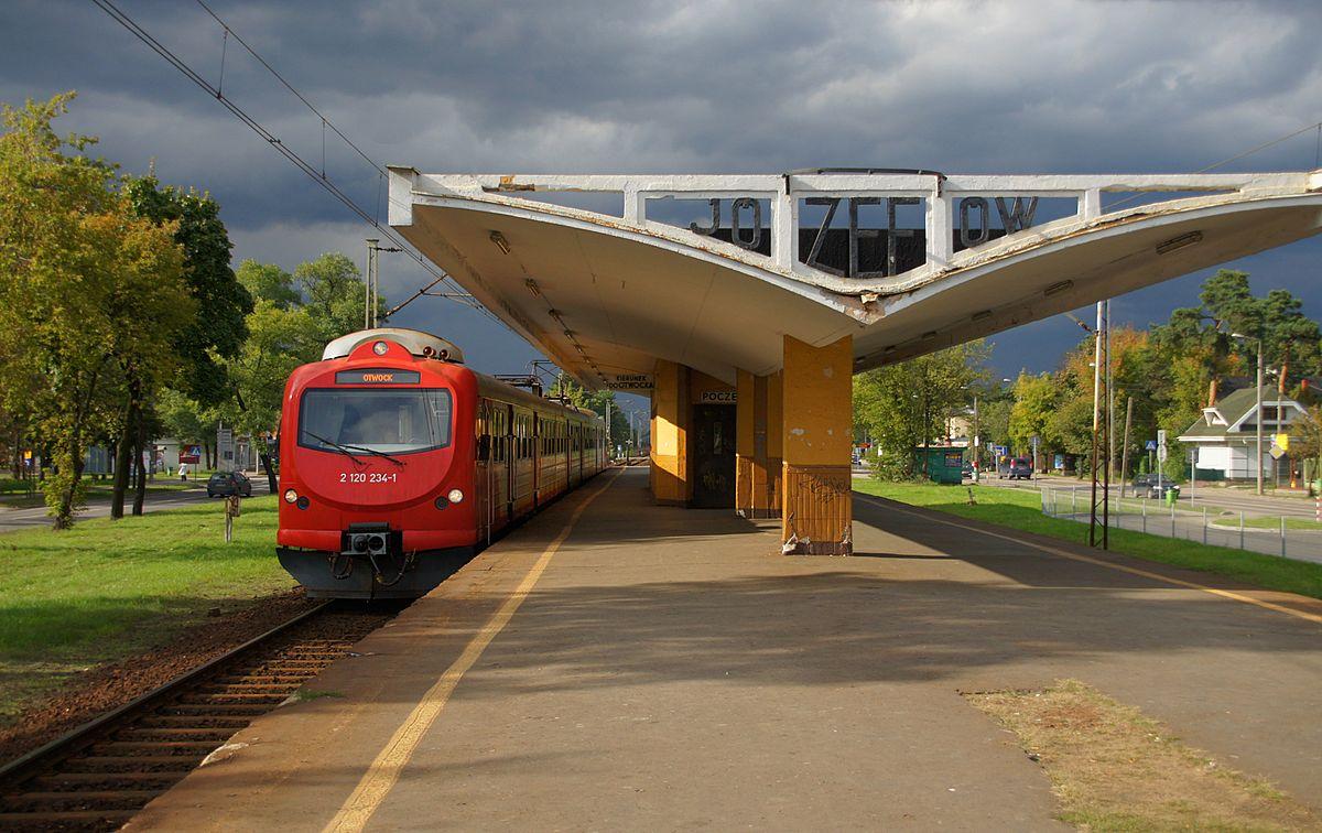 Józefów (przystanek kolejowy) – Wikipedia, wolna encyklopedia