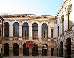 Palacio Tienne, Vicenza (1542-1558)
