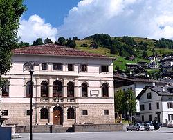 Palazzo Poli-De Pol (San Pietro di Cadore).JPG