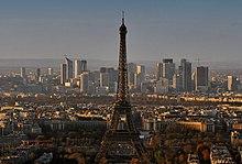 Torre Eiffel, principal ícone e ponto turístico de Paris. 1ddef4ebc5