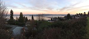 Leschi, Seattle - Panorama from Mount Baker Ridge in Leschi of Lake Washington with I-90, Mount Rainier, and the Cascade Mountains