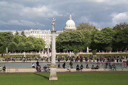 The Jardin du Luxembourg, and the Pantheon in the background Pantheon seen from Luxembourg Gardens (7144498077).jpg