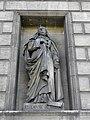 Paris (75008) Église de la Madeleine Extérieur Statue 24.JPG