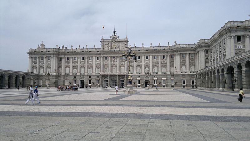 Парламент Испании одобрил продление чрезвычайного положения на шесть месяцев