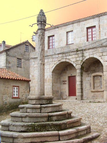 Image:Pelourinho de Castelo Novo.jpg