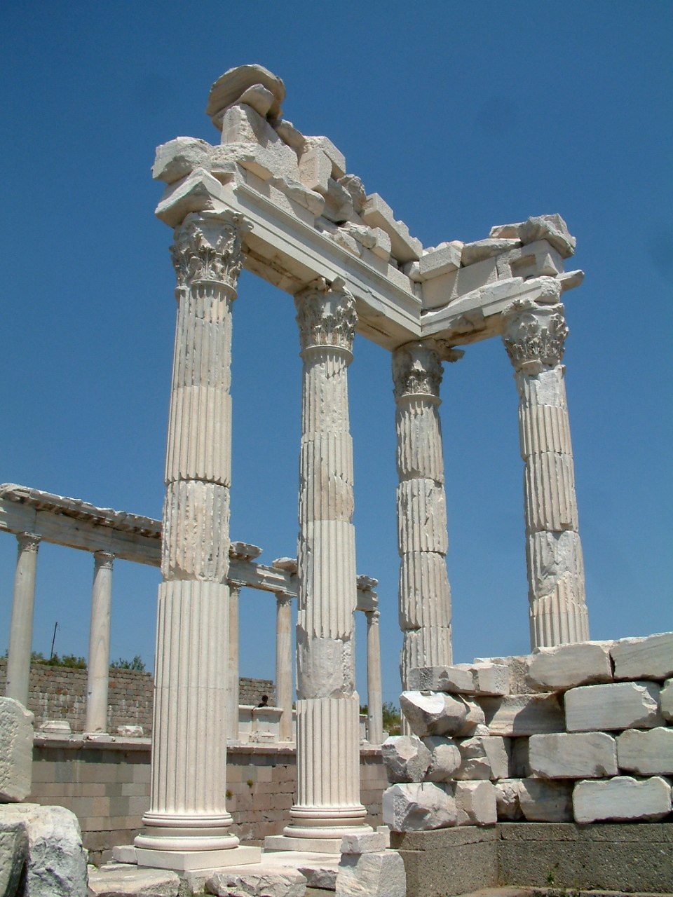 Pergamon Trajan Temple RB2
