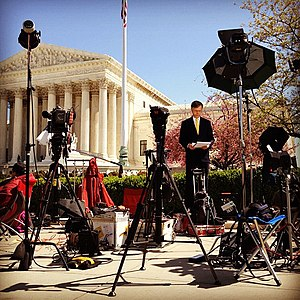 Pete Williams (journalist) - Williams prepares a report in front of the Supreme Court of the United States in 2012.
