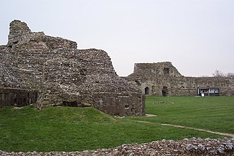 Battle of Hastings - Interior ruins at Pevensey Castle, some of which date to shortly after the Battle of Hastings