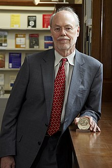 Phillip Sharp HD2007 with Winthrop Sears Medal.jpg