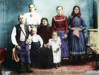 Slovaks in Hungary - A Slovak family in Hungary (1907, Sátoraljaújhely)
