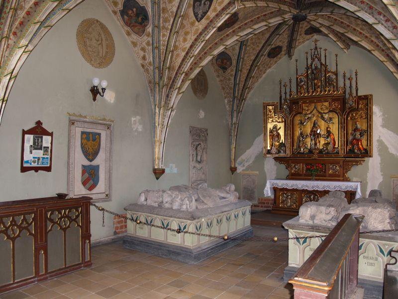 File:Piastenkapelle-Oppeln-1.jpg
