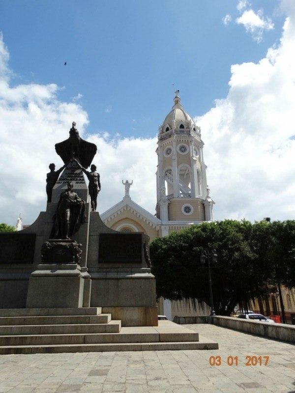 Plaza de Bolovar