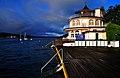 Poertschach Strandpromenade 10 Hausboot vom Hotel Astoria 11102009 11.jpg