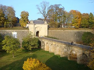 Fortifications of Vauban UNESCO World Heritage Site - Image: Porte de France en automne