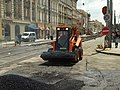 Praha, Smíchov, Anděl, rekonstrukce trati v Nádražní ulici, převoz asfaltu II.JPG