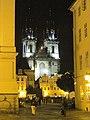 Praha, Týnský chrám v noci - panoramio.jpg