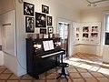 Praha, Werichova vila, klavír.jpg