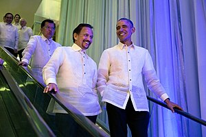 APEC Philippines 2015 - Sultan Hassanal Bolkiah and President Barack Obama wearing the Barong Tagalog.