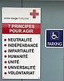 Principes de la Croix Rouge au centre de Villefranche-sur-Saône.JPG