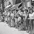 Publiek tijdens de militaire parade op 15 mei 1949 te Jeruzalem bij gelegenheid , Bestanddeelnr 255-1004.jpg