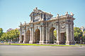 Puerta de Alcalá (11273054156).jpg