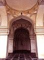 Qutb shahi mosque arch.jpg