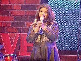 Rekha Bhardwaj - Rekha Bhardwaj performing at Alive India in Concert (Season 2) at Phoenix Marketcity, Bangalore on 1 February 2014